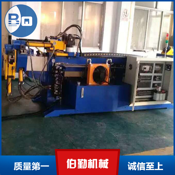 DW50CNC-2A-1SAutomatic pipe bender.
